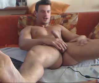 Muscle Stud Rafaelo Steel on Gay WebCam